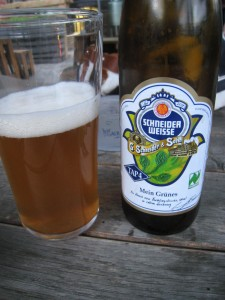 An Ever-delicious Schneider Weisse In Its Element and Also In Mah Belly